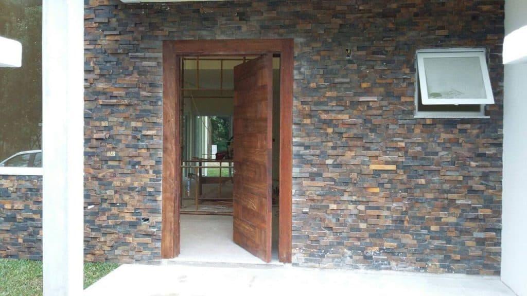 Porta de Madeira de Demolição - Peroba Rosa - Porta de entrada Pivotante - SP
