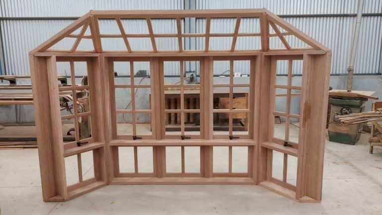 Janela Bay Window - Esquadrias de Madeira - Janelas