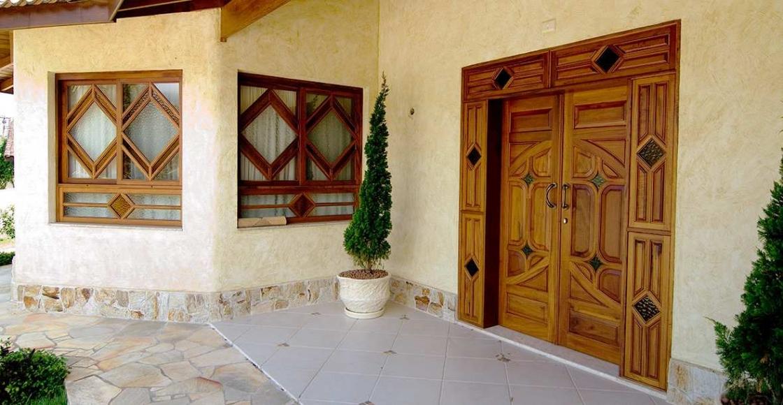 Porta de Entrada - Portas de Madeira - Fábrica de Esquadrias de Madeira