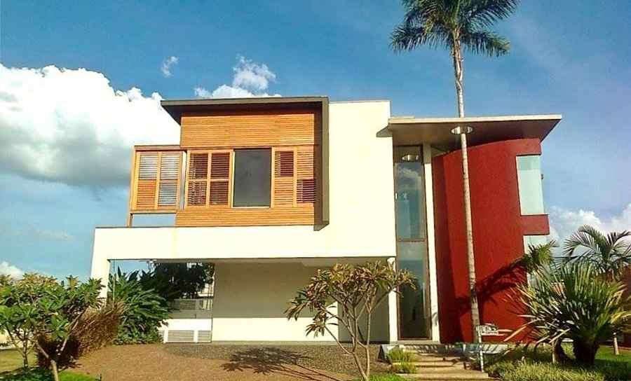 Fábrica de portas e janelas de madeira - Esquadrias sob medida - Portas maciças